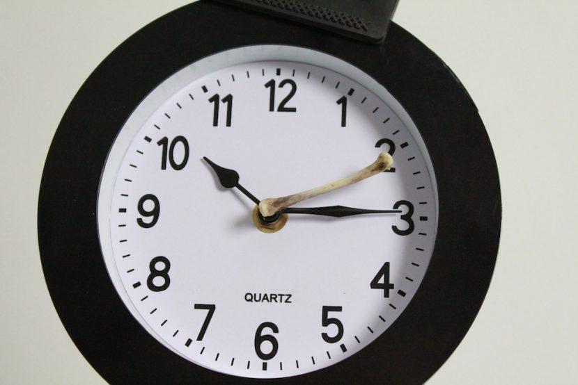 specio-primer-plano-reloj