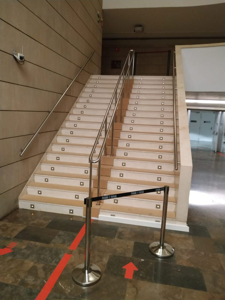 foto movil escalera IVAM 5